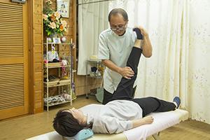 病的腰痛の整体施術